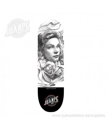 Tabla Skate Tatuaje Chica Gris Juanpetattoo