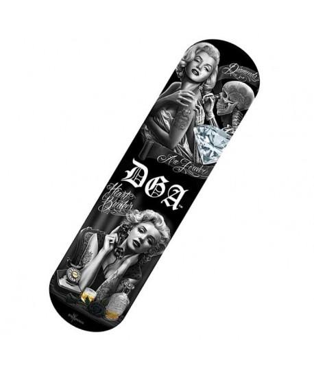Tabla de skate con diseño de heartbreaker